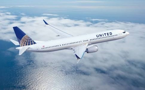 United airlines flying
