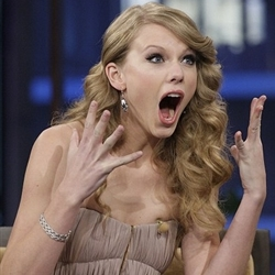 Taylor Swift shocked face