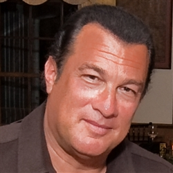 Steven Seagal sooo cool