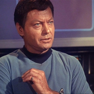 leonard mccoy star trek