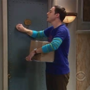 Sheldon Cooper Knocking