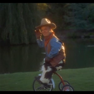 Picture of midget from happy gilmore