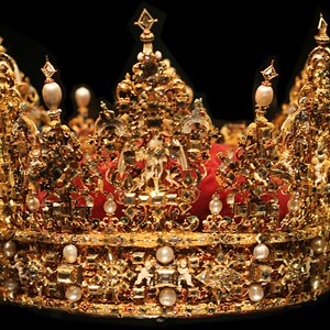 heavy is the head of the man who wears the crowns