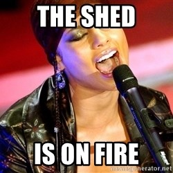 Alicia Keys Sings - The Shed Is On Fire