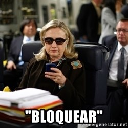 """Texts from Hillary -  """"bloquear"""""""
