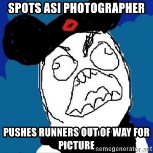 runDisney Rage - Spots asi photographer pushes runners out of way for picture