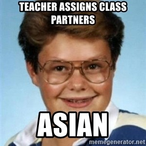 Larry el suertudo - teacher assigns class partners asian