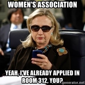Hillary Clinton Texting - Women's association yeah, i've already applied in room 312, you?